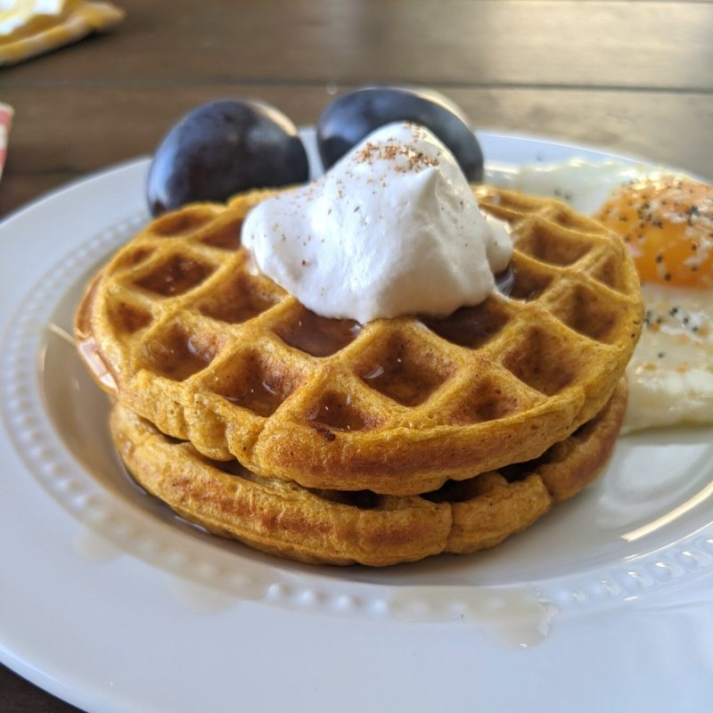 low calorie waffles with pumpkin and whipped topping