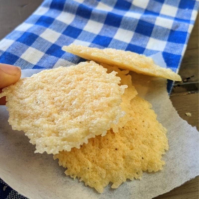 parmesan crisps homemade in 1 minute